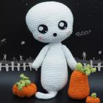 http://www.tarturumies.com/2017/09/26/amigurumi-patron-fantasma-boo/