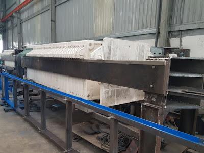 Máy ép bùn khung bản đang được hoàn thiện tại xưởng sản xuất