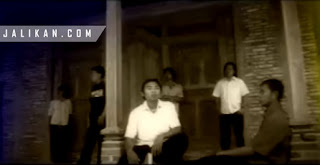 Lirik Lagu Kesaksiang Bulan Soband feat Wati