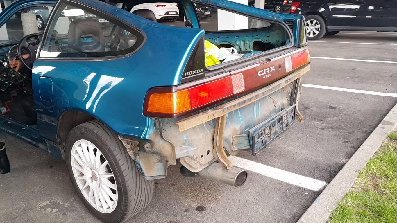 Body - Rear bumper removal