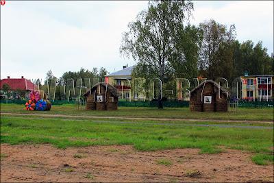 Хатки из соломы, дорога на Дожинки-2011