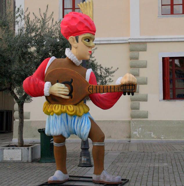 Εντυπωσιακά στολισμένος ο Δήμος Ναυπλιέων υποδέχεται τους Καρναβαλιστές