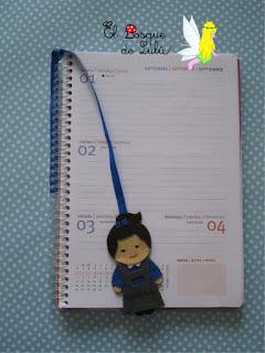 marcapáginas-agenda-punto-libro-fieltro-felt-feltro-personalizado-uniforme-colegio-agenda-escolar-elbosquedelulu-hechoamanoparati