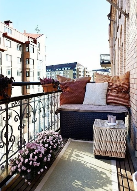 Ideas For Decorating Small Balconies 8