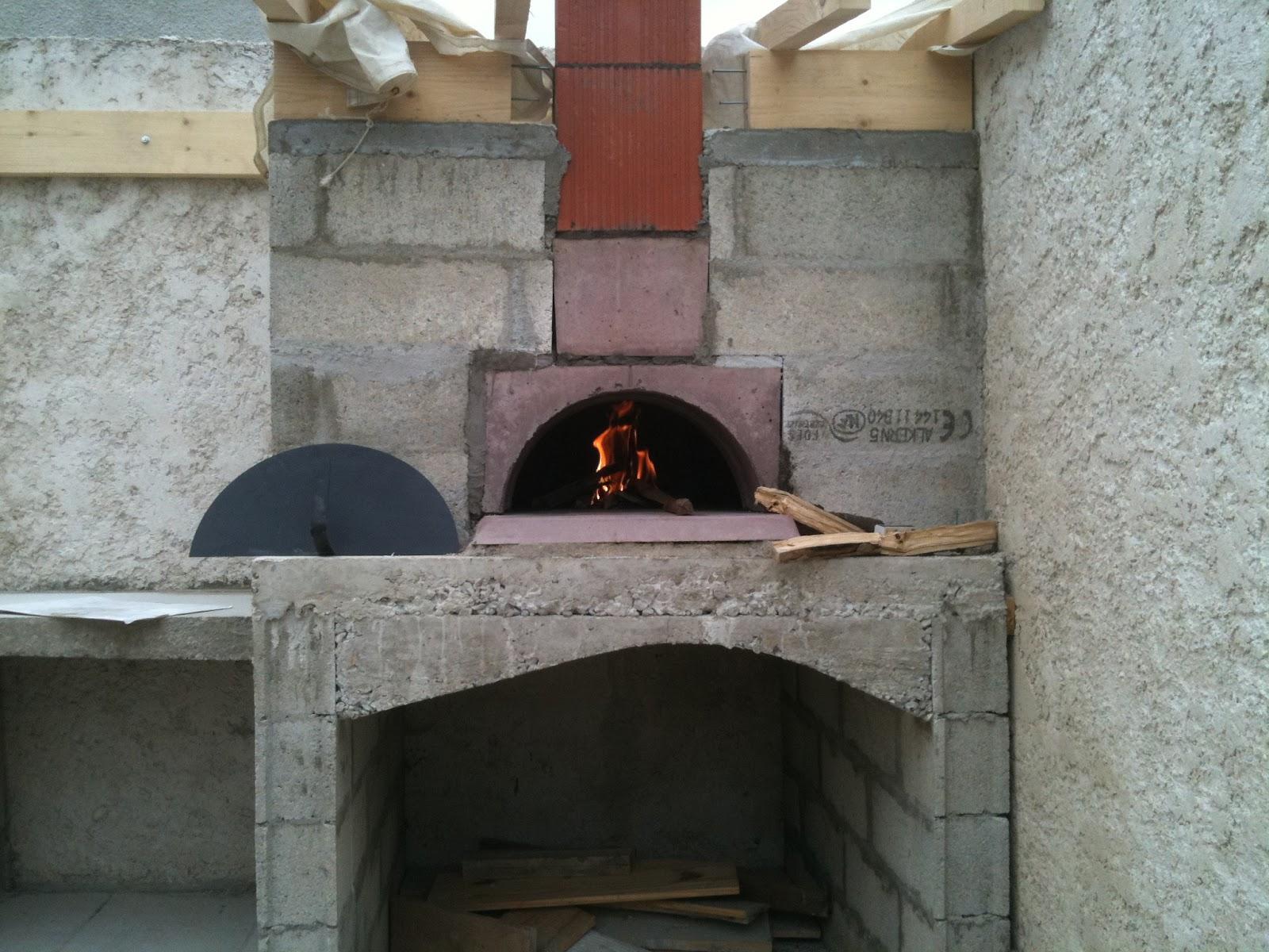 construction four pizza isolation du four laine de roche sable et premier d rhumage. Black Bedroom Furniture Sets. Home Design Ideas