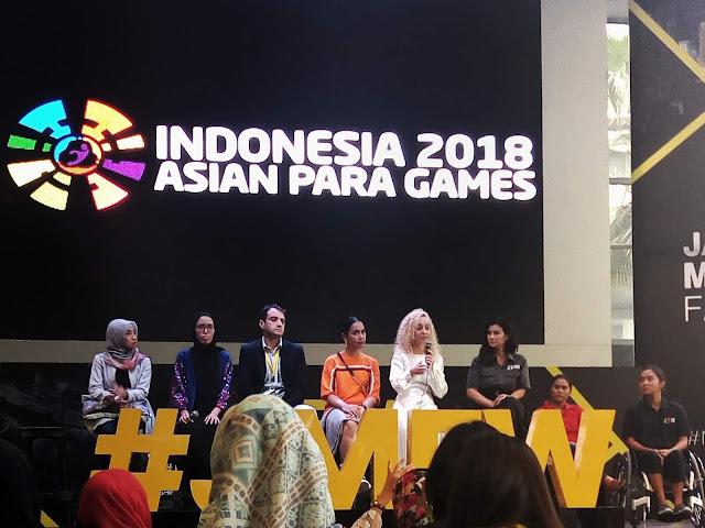 Merangkum Kemanusiaan di Jakarta Modest Fashion Week 2018