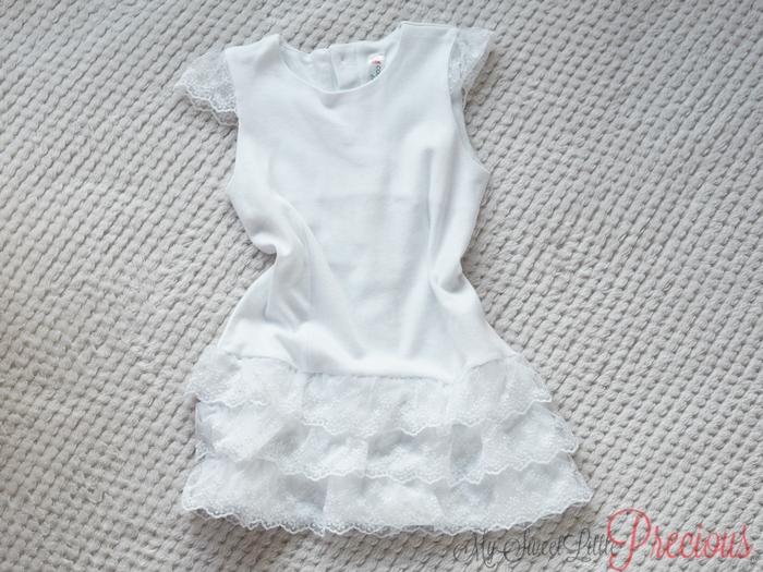 biała sukienka dziewczęca koronka