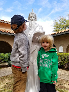 catholic stations of the cross, outdoor stations, lent, lenten traditions with children via refabulous catholic family