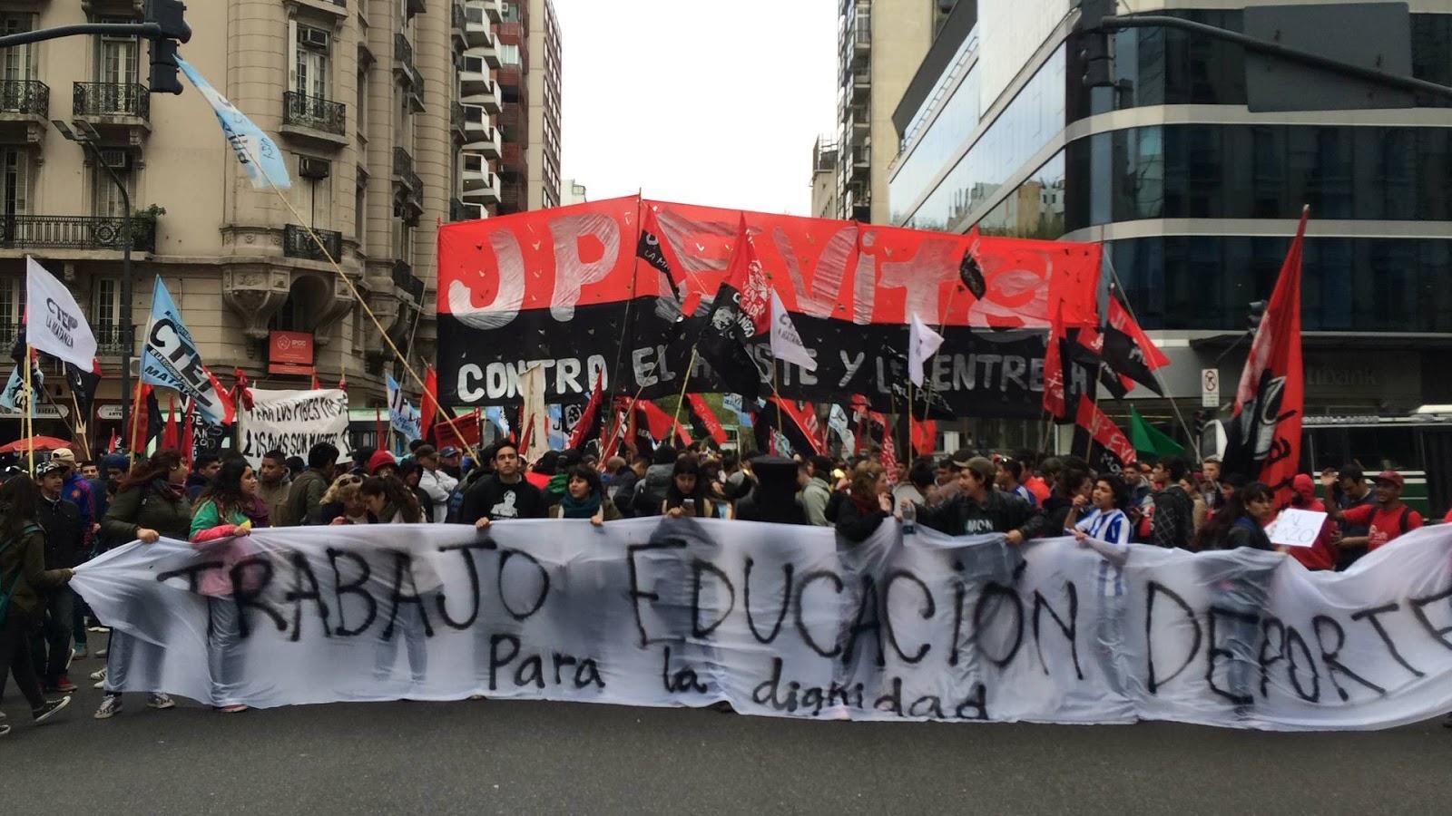Protesta contra el subsecretario de Juventud Pedro Robledo