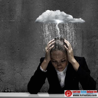 kalautau.com - Air hujan ini akan membuat suhu tubuh menjadi lebih dingin terutama kepala
