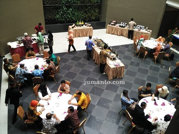 tempat sarapan di Hotel West Point