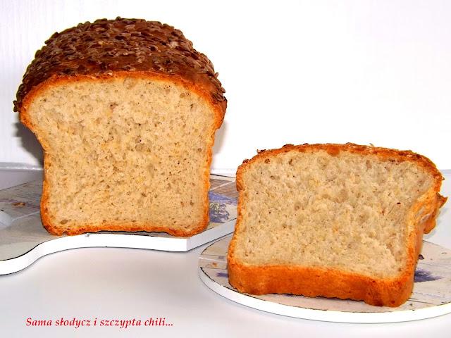 Chlebek pszenno - żytni z otrębami owsianymi i słonecznikiem.