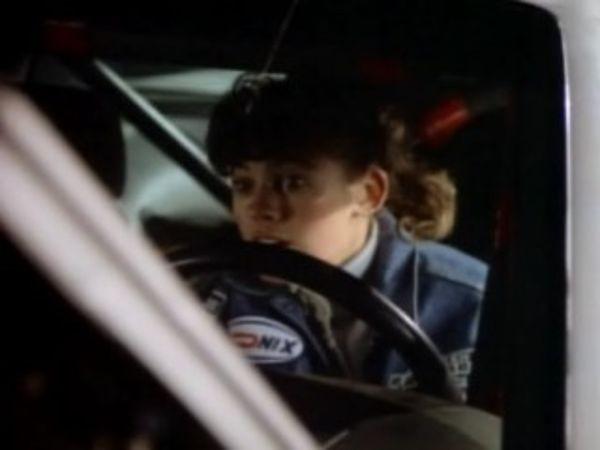 MacGyver - Season 4 Episode 05: Collision Course