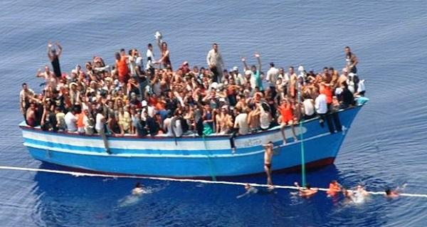 القبض على صاحب المركب الغارق وسماسرة الهجرة غير الشرعية
