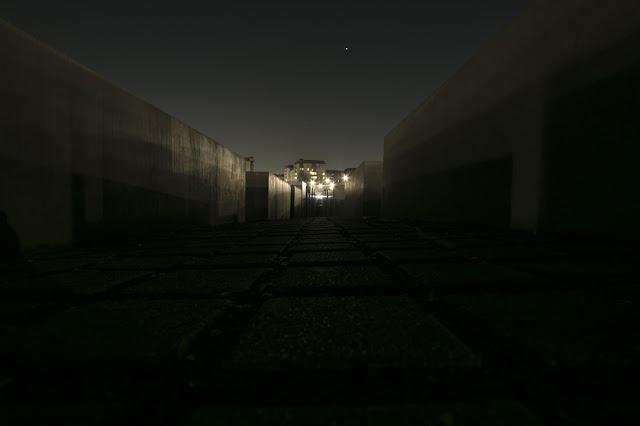 Holocaust Mahnmal di notte-Berlino