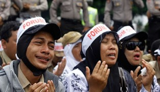 Revisi UU ASN Belum Disepakati, Rekrutmen Tenaga Honorer Jadi CPNS Batal?