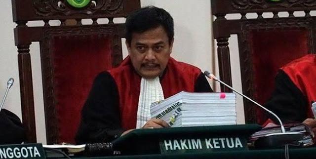 Dwiarso Ketua Majelis Hakim Kasus Ahok, Usir Kurir Karangan Bunga Pendukung Ahok