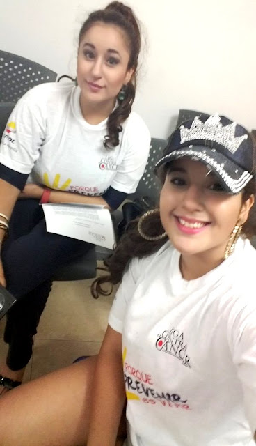 Foto de las gemelas Andrea e Irene Ramos con gorro