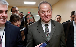 Senate hopeful Roy Moore will 'do the right thing and step aside' if allegations of sexual contact with minors are true