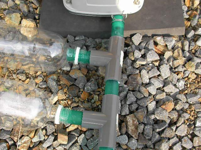 浄化槽ブロワー ホースとペットボトル