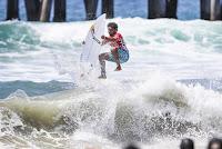 25 Carlos Munoz Vans US Open of Surfing foto WSL Kenneth Morris