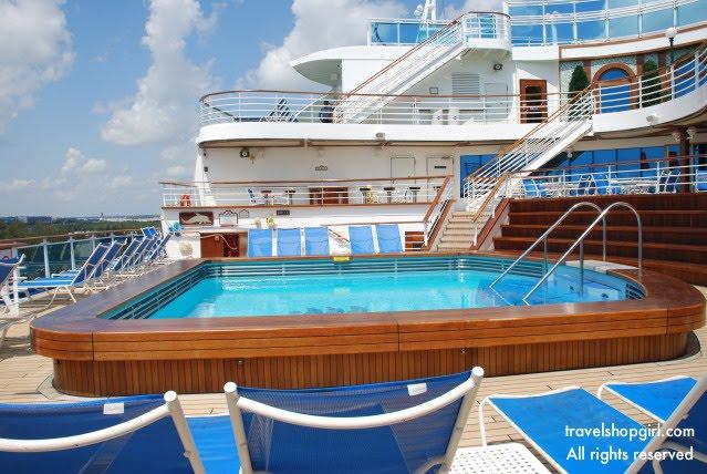 Sapphire Princess Aloha Deck Plan Tour |Pool Terrace Grand Princess