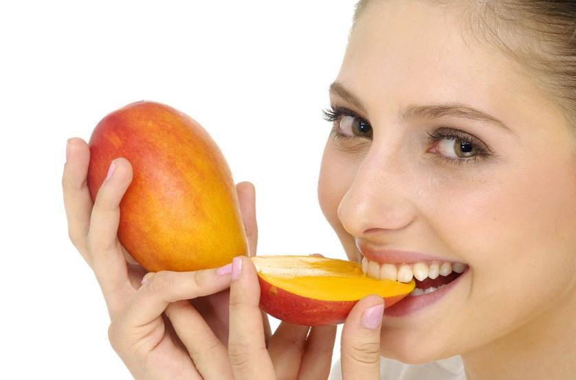 cara mudah makan mangga dan menghilang rasa kecut pada mangga muda