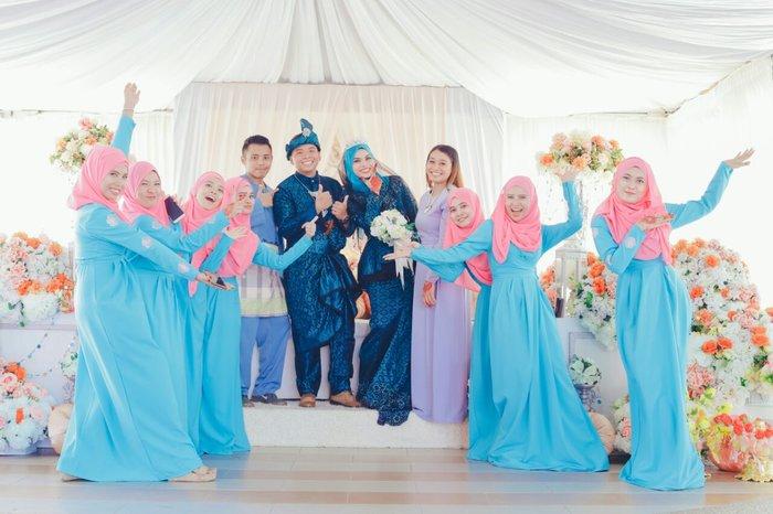 Pelbagai Pilihan Warna Jubah Muslimah Boleh Dipilih Mengikut Tema Majlis Perkahwinan Kami Yang Menarik