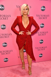Bebe Rexha no Victoria's Secret Fashion Show