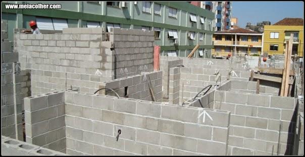construção com blocos de concreto