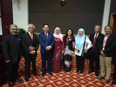 Anugerah Excellent STEM Teacher Award semasa ICSTEM 2017 di UPSI