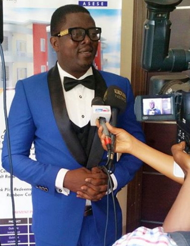 muyiwa ademola wins bon awards 2015