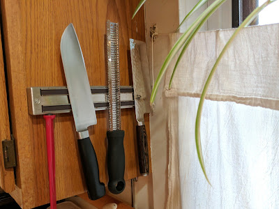Magnetic Knife Rack with knives and utensils