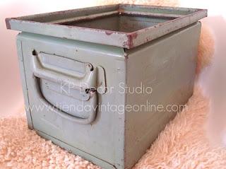 Fotos de cajas antiguas verdes para decorar estilo industrial