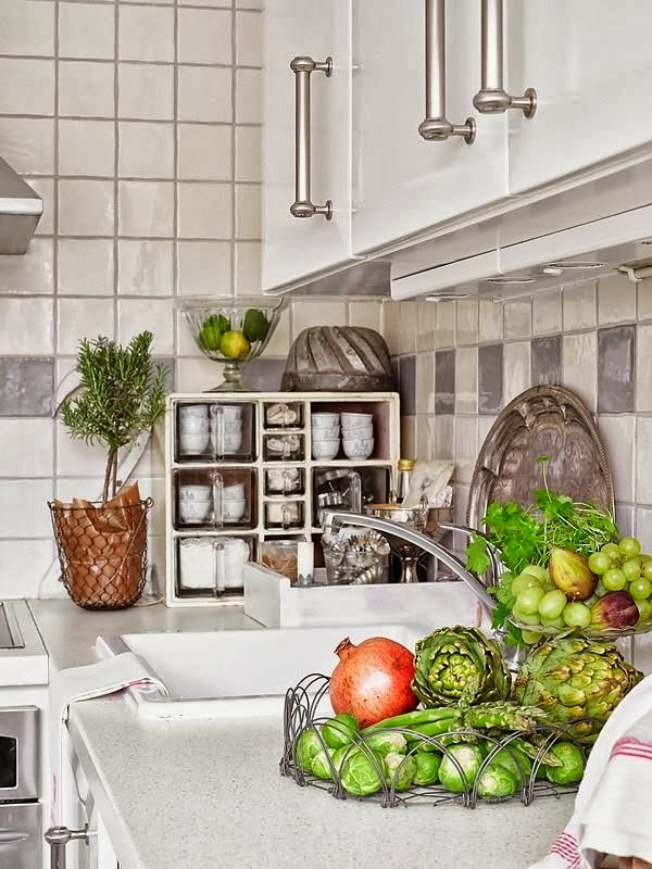 Nutka romantyzmu - wystrój wnętrz, wnętrza, urządzanie domu, dekoracje wnętrz, aranżacja wnętrz, inspiracje wnętrz,interior design , dom i wnętrze, aranżacja mieszkania, modne wnętrza, shabby chic, styl romantyczny, romantyczne wnętrza, koronki, kuchnia