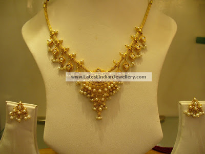 light weight pearls gold necklace