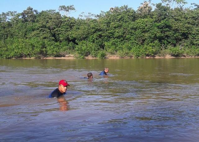 Família encontra corpo de homem desaparecido após acidente no Rio Juruá