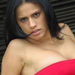 Andrea Rincon, Selena Spice Galeria 21 : Jean Azul y Top Rojo Foto 32