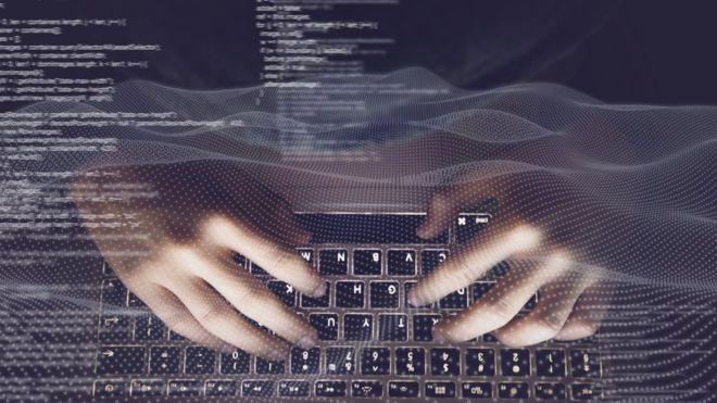 """Qué es el """"ruido gris"""" que atrae a los criminales de la web y por qué es casi imposible de evitar"""
