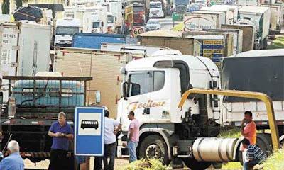 Frete de retorno está pacificado no país, diz Blairo Maggi