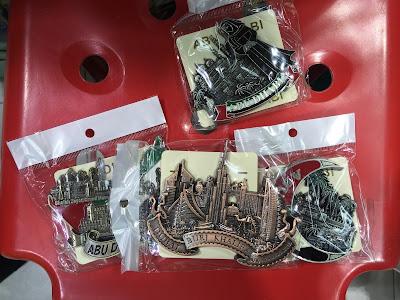 Cheap Abu Dhabi souvenirs in Hamdan Street.