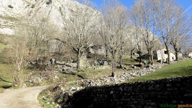 Ruta circular por la Sierra del Cuera desde Alles (Peñamellera Alta) pasando por el Pico La Muesca, Ubricario y Liño