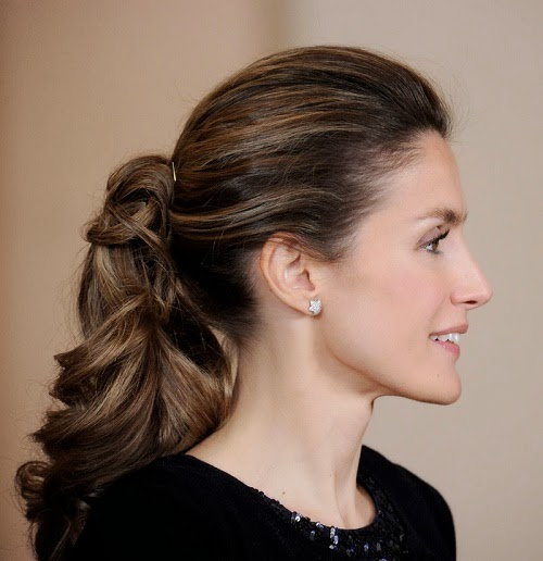 Admirable Casual Updo Hairstyle For Long And Straight Hair Short Hairstyles Gunalazisus