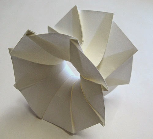 Tunnel 3d origami