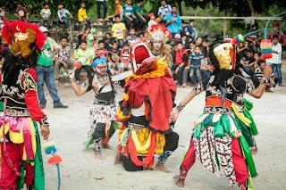 Sejarah Lengkap dan Ulasan Mengenai Kuda Lumping Di Indonesia
