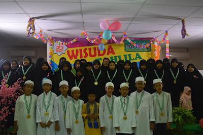 Wisuda Perdana TAHLILA dimeriahkan oleh Ahsani, Juara 1 Hafizh Cilik RCTI