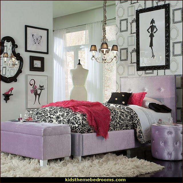 Fashionista - Diva Style bedroom decorating - runway theme bedroom ideas - shoe decor - Fashion Diva bedroom ideas - Fashionista Runway bedroom decorating -  Boutique Decor - girls boutique theme bedroom ideas - fashion artwork - Paris  fashionista bathroom decor -  shopping boutique style playroom -  chanel wall decal stickers - fashionista room decor - fashion themed bedroom decor