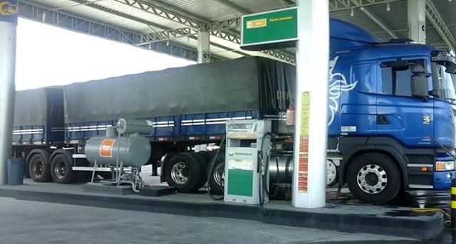 Resultado de imagem para óleo diesel caminhão