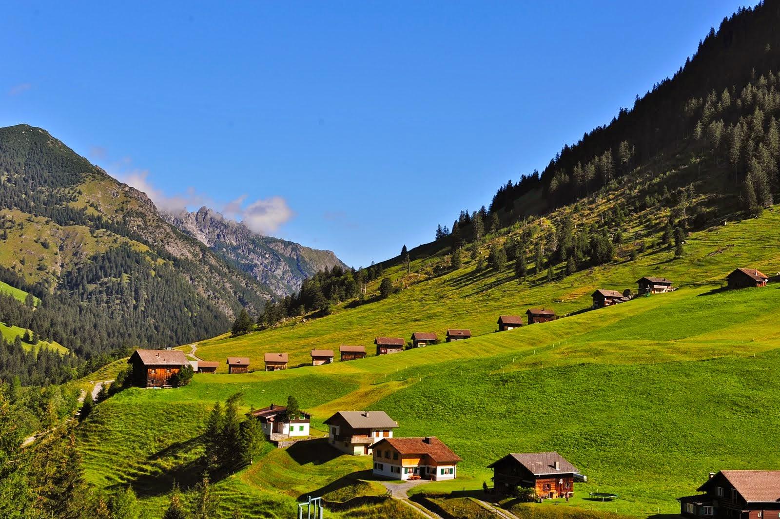 http://www.taringa.net/post/imagenes/17840564/Esto-es-Liechtenstein.html