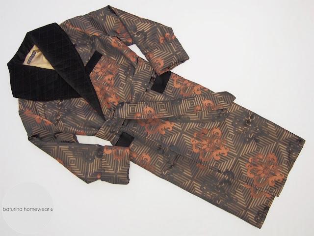 Luxus Morgenmantel warm gefüttert lang für Herren Jacquard Seide Paisley Satin Gold Schwarz Samt Schalkragen gesteppt englisch Dressing Gown Männer XL XXL.